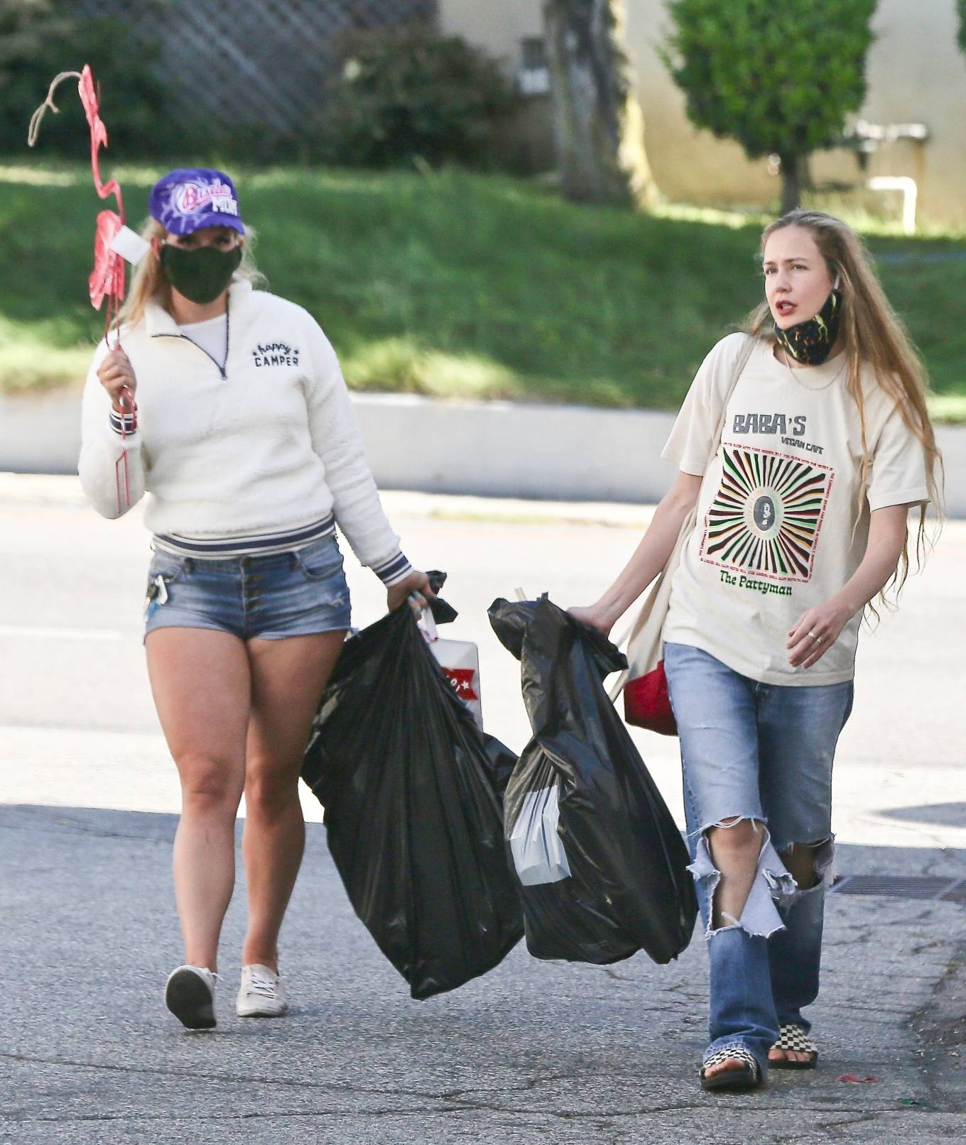 Lana Del Rey - Shopping candids in Los Angeles - 1 : luvcelebs