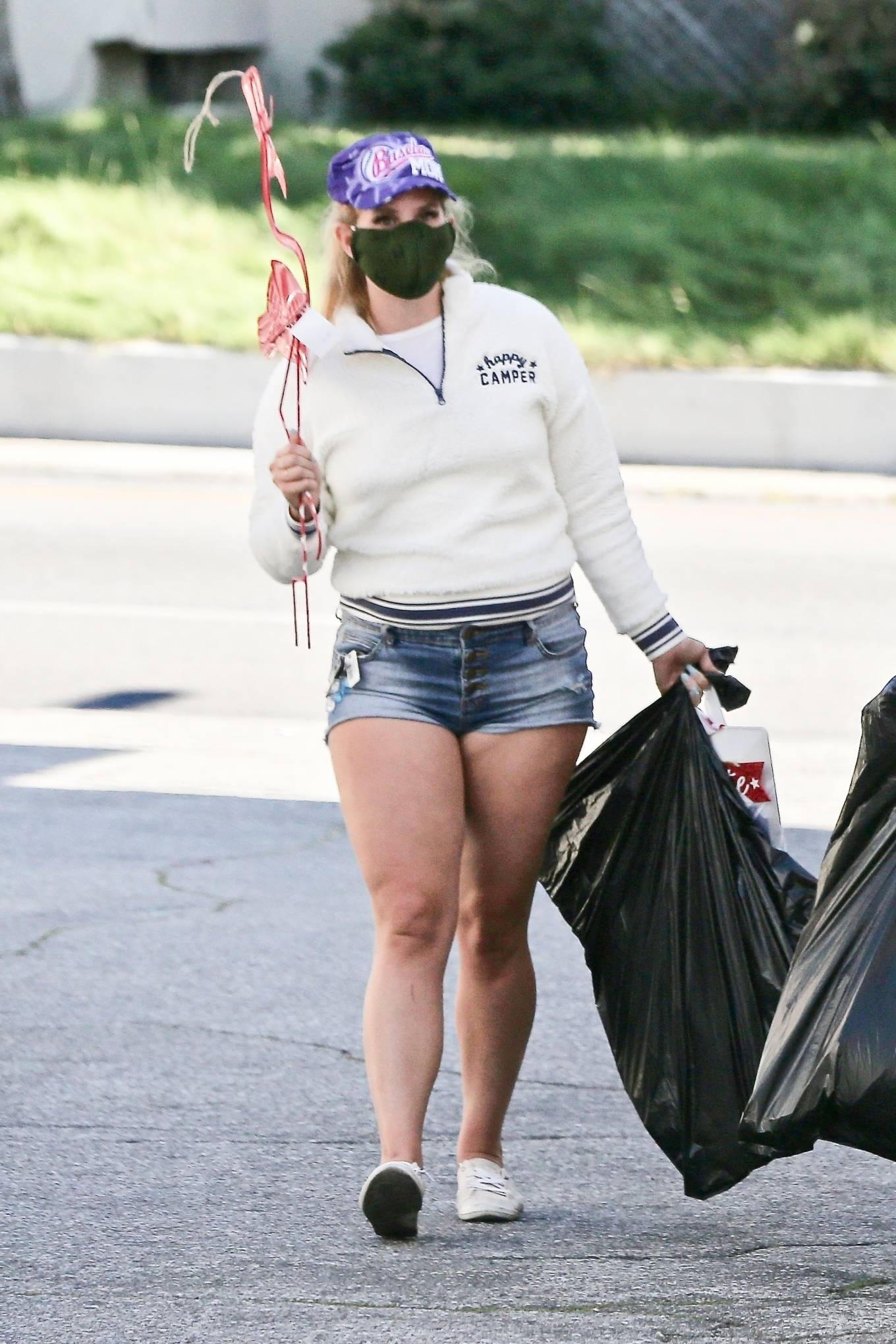 Lana Del Rey - Shopping candids in Los Angeles-08 | GotCeleb