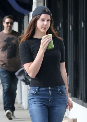 Lana Del Rey - Shopping in Hollywood