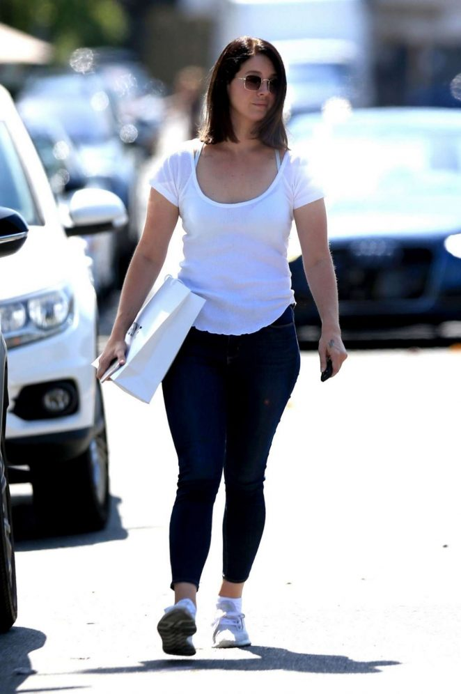 Lana Del Rey - Shopping on Melrose Place in West Hollywood