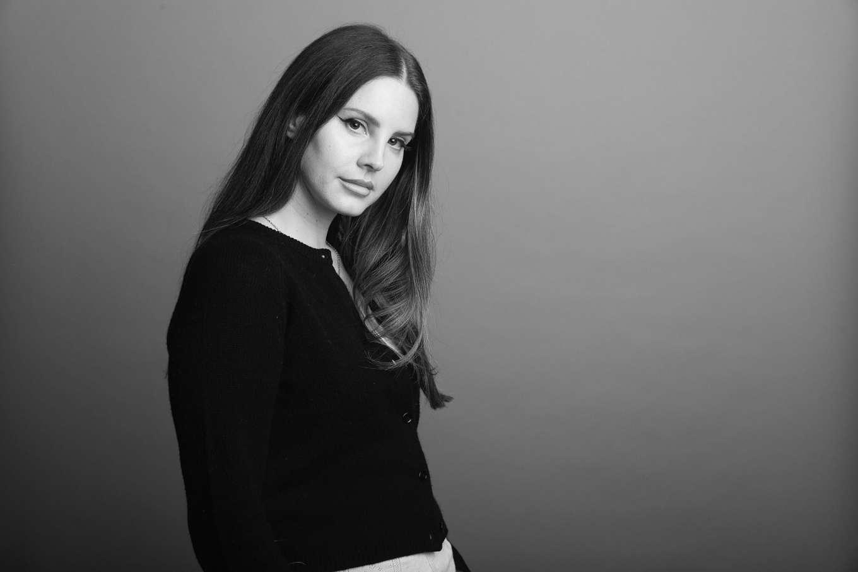Lana Del Rey 2019 : Lana Del Rey – Visits 107 7 The End in Seattle-03