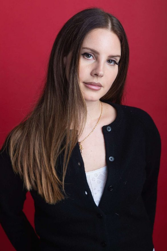Lana Del Rey - Visits 107.7 The End in Seattle