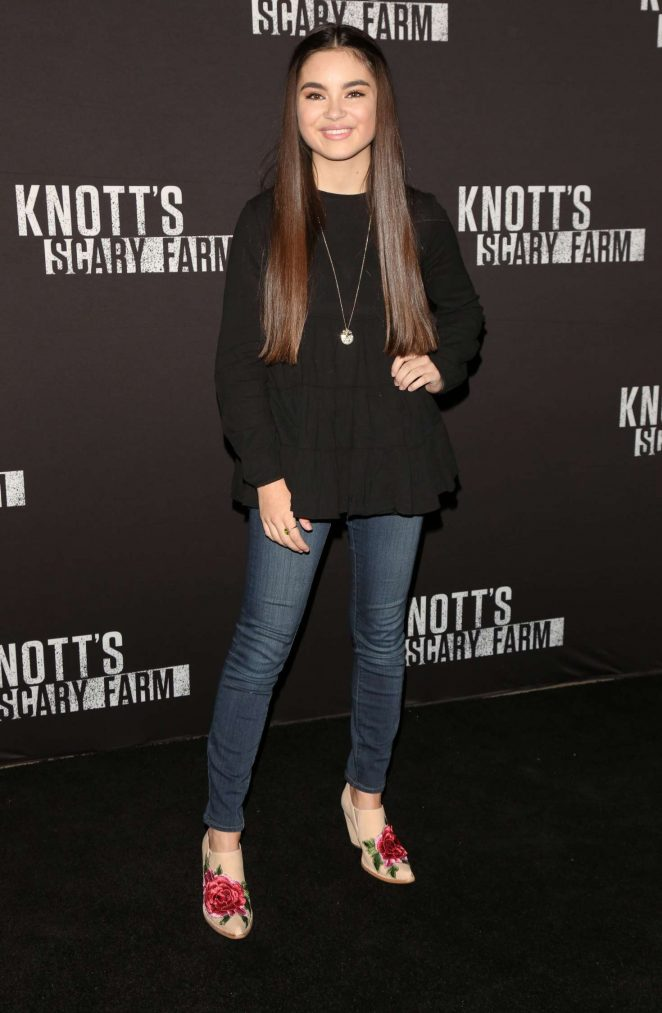 Landry Bender: Knotts Scary Farm Opening Night -16