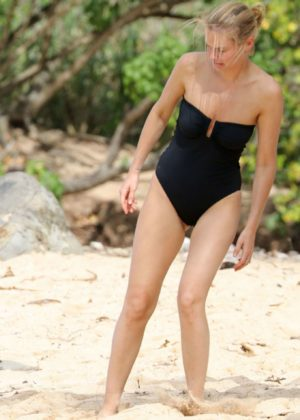 Lara Bingle in Black Swimsuit on the Beach in Hawaii