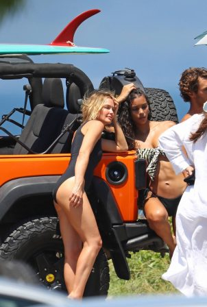 Lara Bingle - Photoshoot candids on top of a Jeep in Sydney