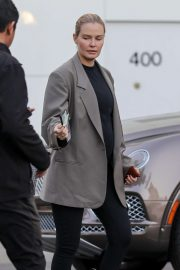 Lara Bingle - Shopping in Beverly Hills