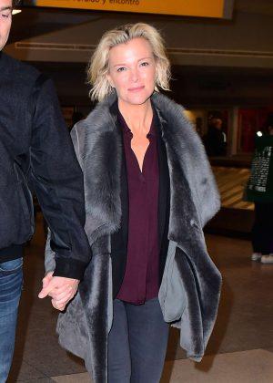 Lara Spencer in jeans arriving in NYC