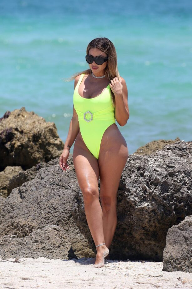 Larsa Pippen - In a neon yellow swimsuit in Miami