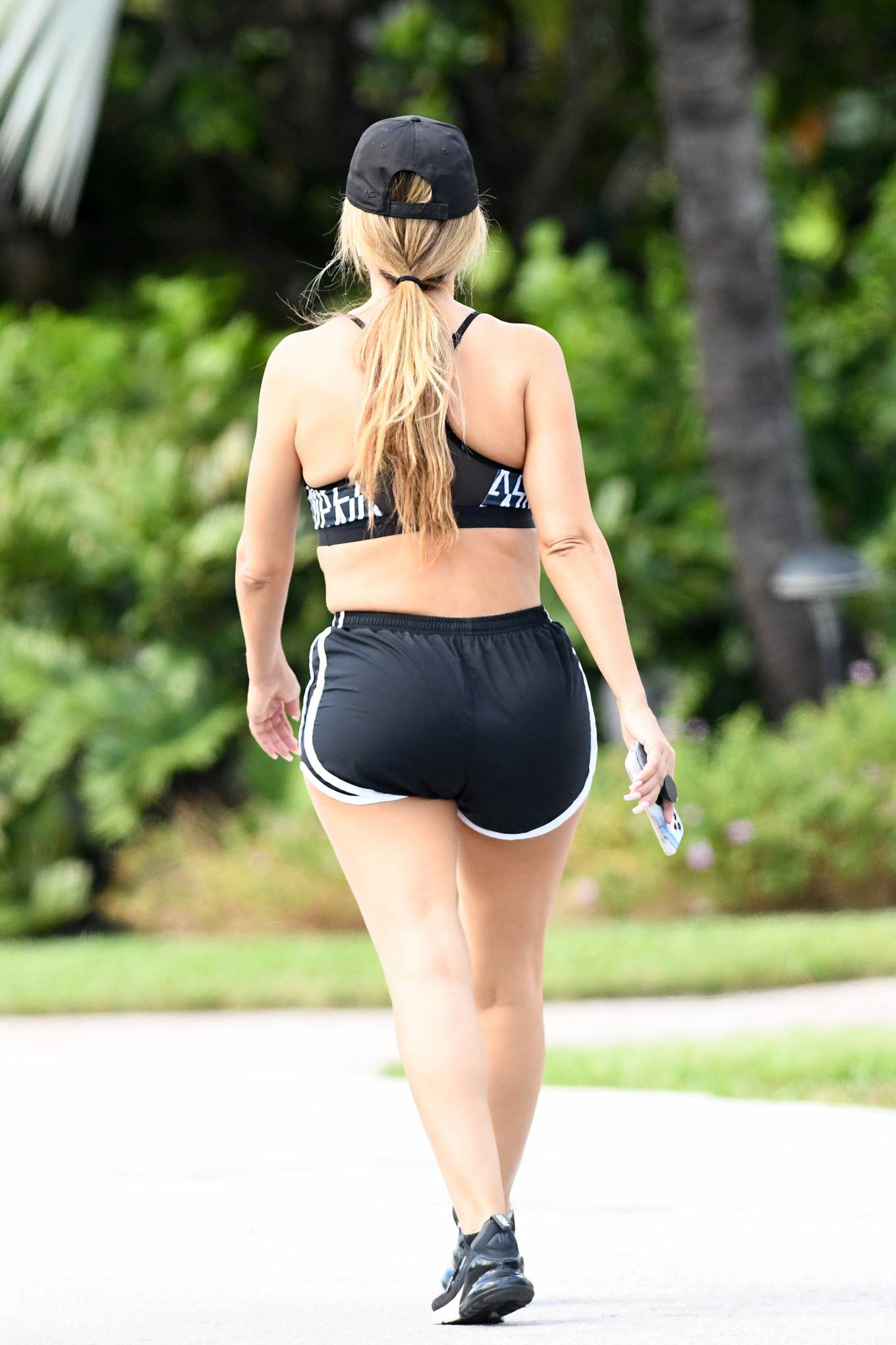 Larsa Pippen 2020 : Larsa Pippen – Recovering from Coronavirus, is seen taking a walk around her neighborhood-20