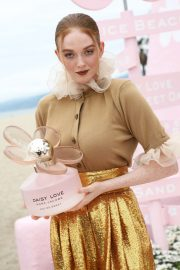 Larsen Thompson - Marc Jacobs Daisy Love 'So Sweet' Fragrance Popup Event in LA
