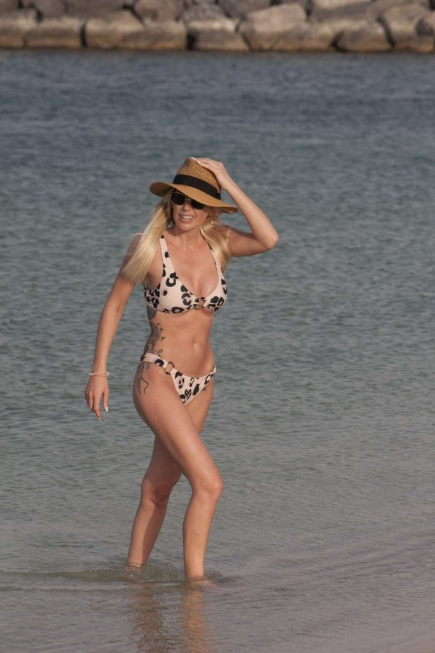 Laura Anderson in Bikini on the beach in Dubai