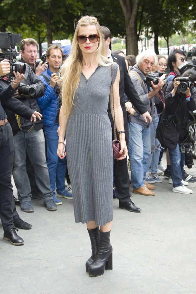Laura Bailey - Chanel Fashion Haute-Couture F/W 2016/2017 in Paris