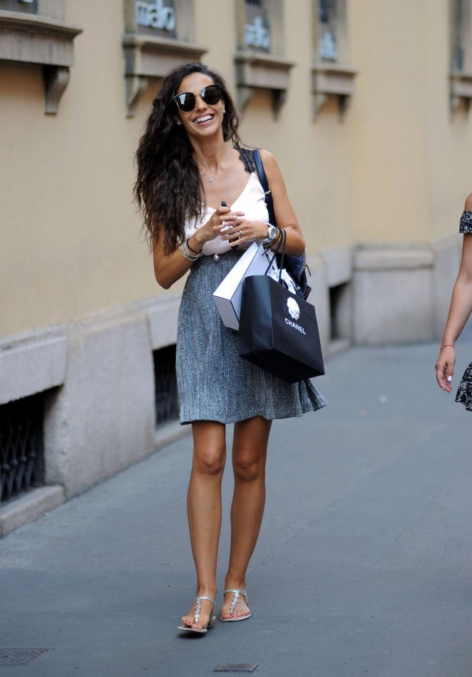 Laura Barriales – Shopping in Milan