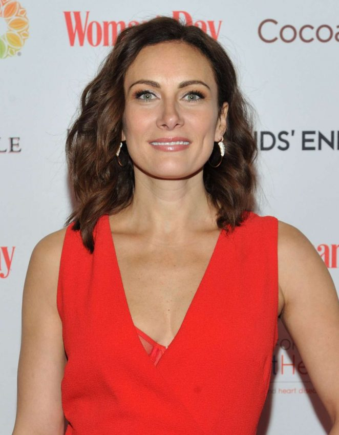 Laura Benanti Woman S Day Celebrates 15th Annual Red