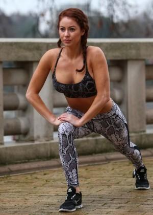 Laura Carter - Hot workout in Battersea Park in London