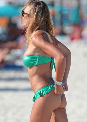 Laura Cremaschi in Green Bikini -05