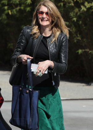 Laura Dern - Leaving the Ivy in Santa Monica