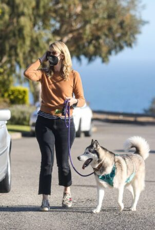 Laura Dern - Steps out for a walk in Pacific Palisades