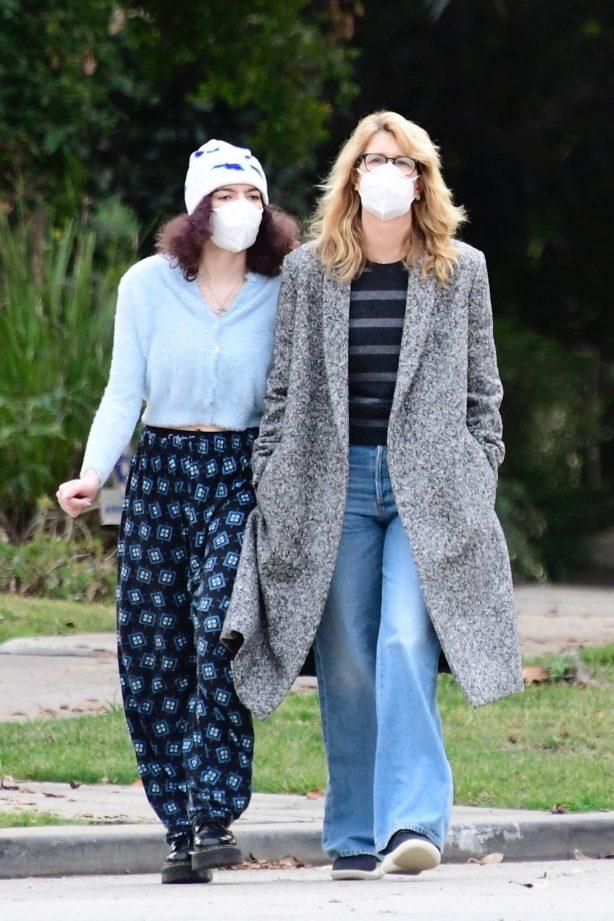 Laura Dern - With her daughter Jaya Harper in Brentwood