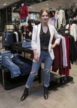 Laura Escanes presents a new collection of clothes in Castellana