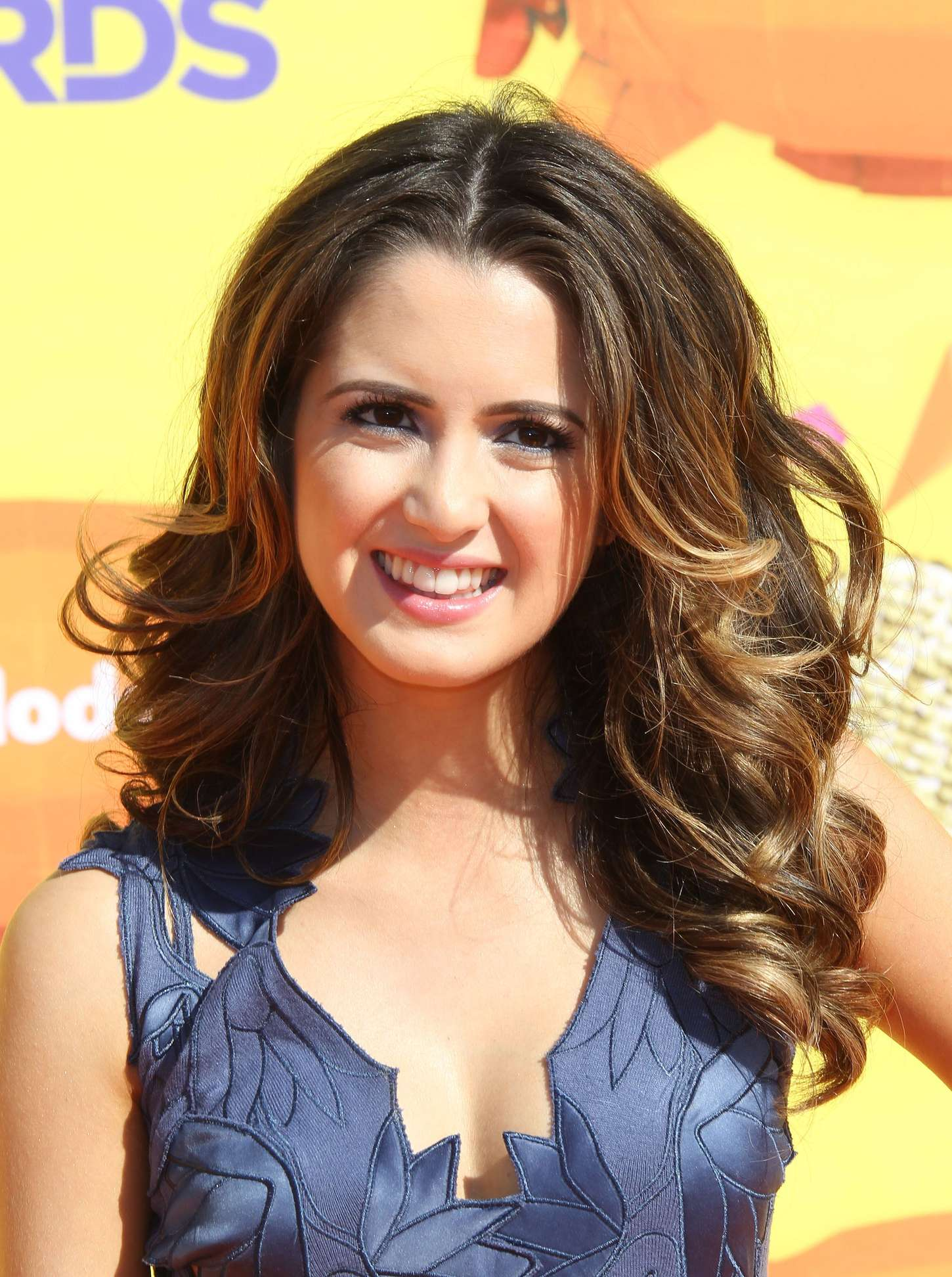 Laura Marano 2015 Nickelodeon Kids Choice Awards 02 Gotceleb