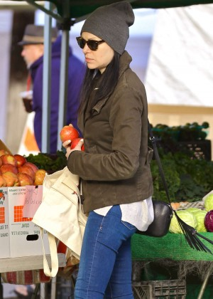 Laura Prepon in Jeans Shopping at Farmers Market in Venice