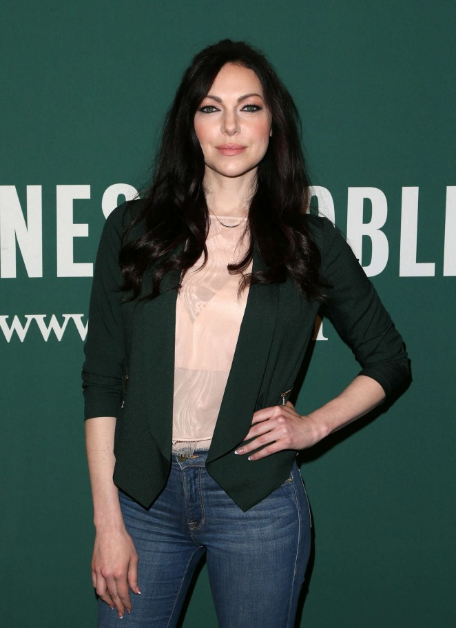 Laura Prepon - Signing of her new book 'The Stash Plan' at the Barnes & Noble in LA