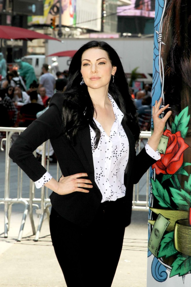 Laura Prepon – Times Square in NYC