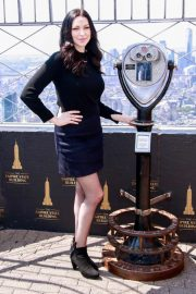 Laura Prepon - Visits the Empire State Building in NYC