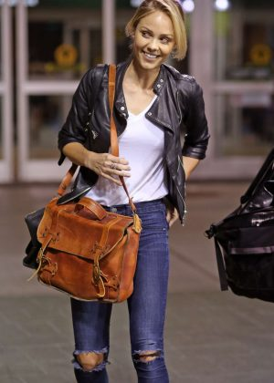 Laura Vandervoort - Arrives in Vancouver