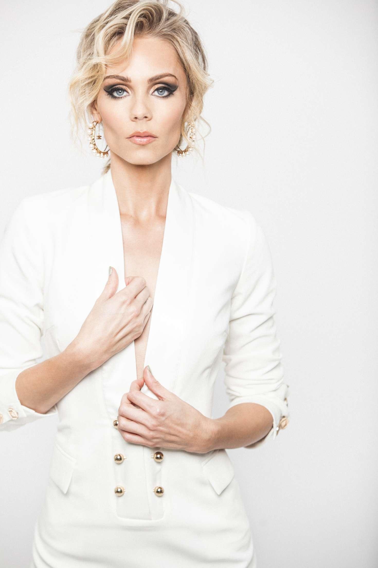 Laura Vandervoort - Prune Magazine (November 2017)