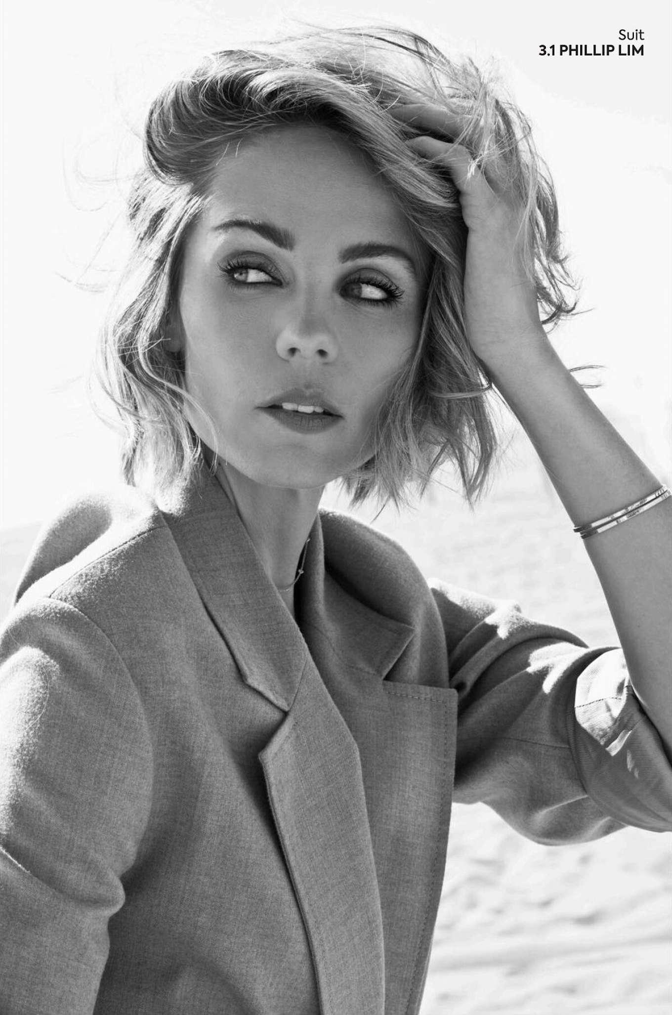 Laura Vandervoort 2020 : Laura Vandervoort – QP Magazine 2019-07