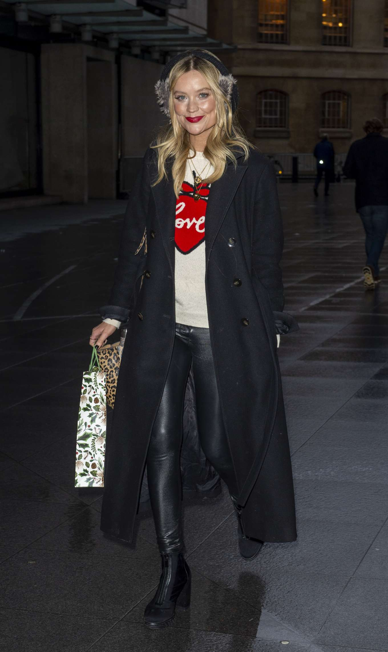 Laura Whitmore 2019 : Laura Whitmore – Arrives at BBC Radio 5 Live show-05
