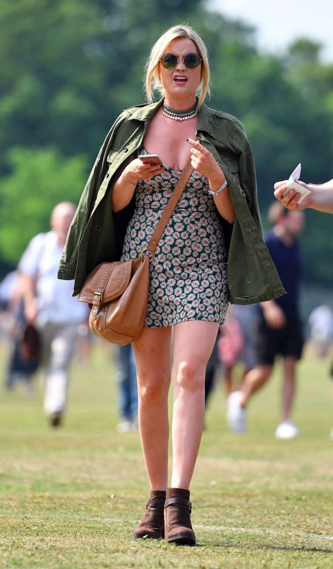 Laura Whitmore – Arrives at House Festival in London