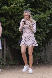 Laura Whitmore - Arriving for the House Festival in Hampstead