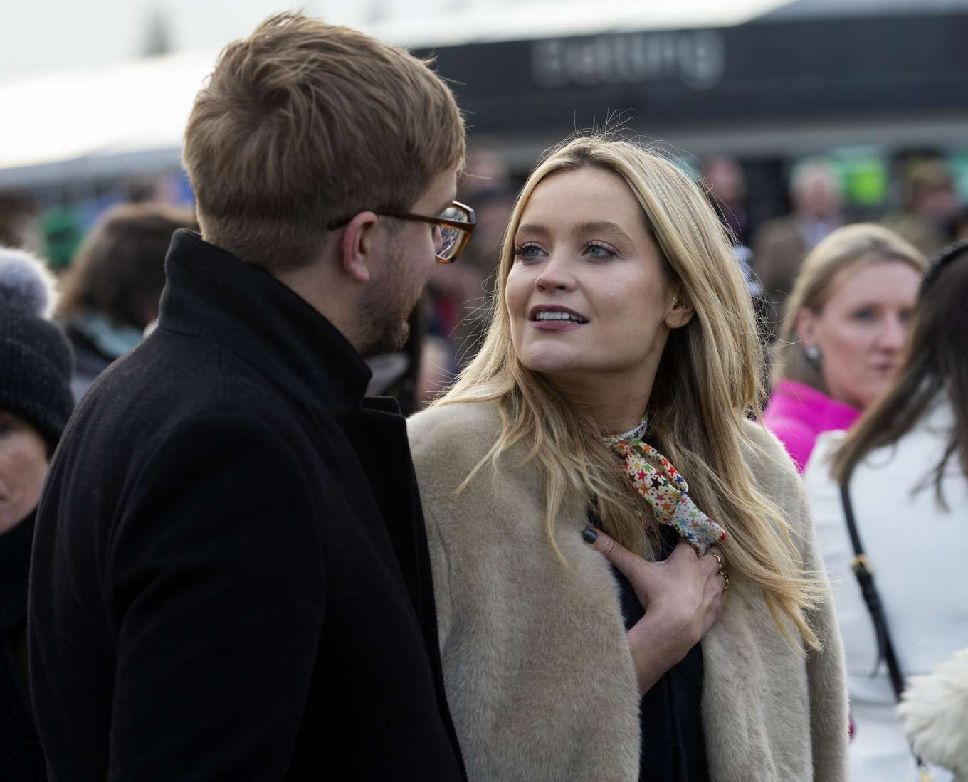 Laura Whitmore 2019 : Laura Whitmore – Ladbrokes Winter Carnival in Newbury-05