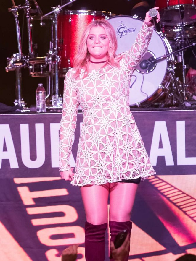 Lauren Alaina - 7th Annual Runaway Country Music Fest in Kissimmee