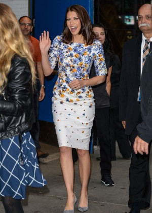 Lauren Cohan - Leaving the 'Good Morning America' in NYC