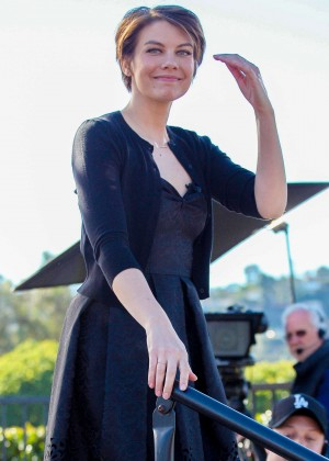 Lauren Cohan - On the Set of 'Extra' in Universal City