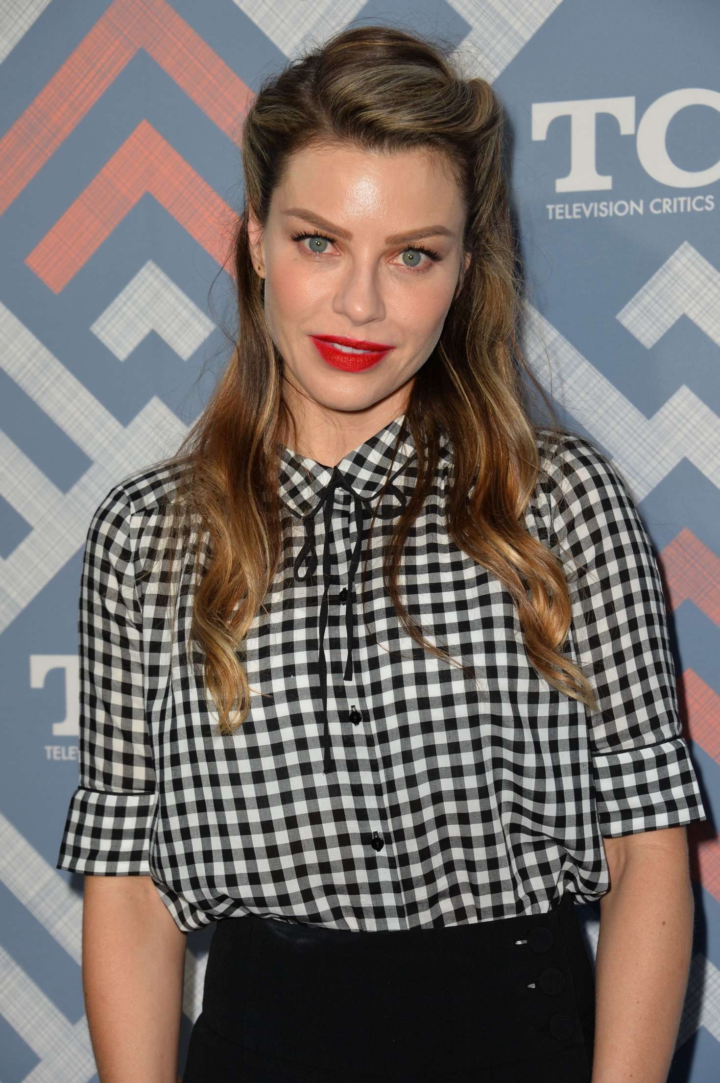 Lauren German: 2017 FO...