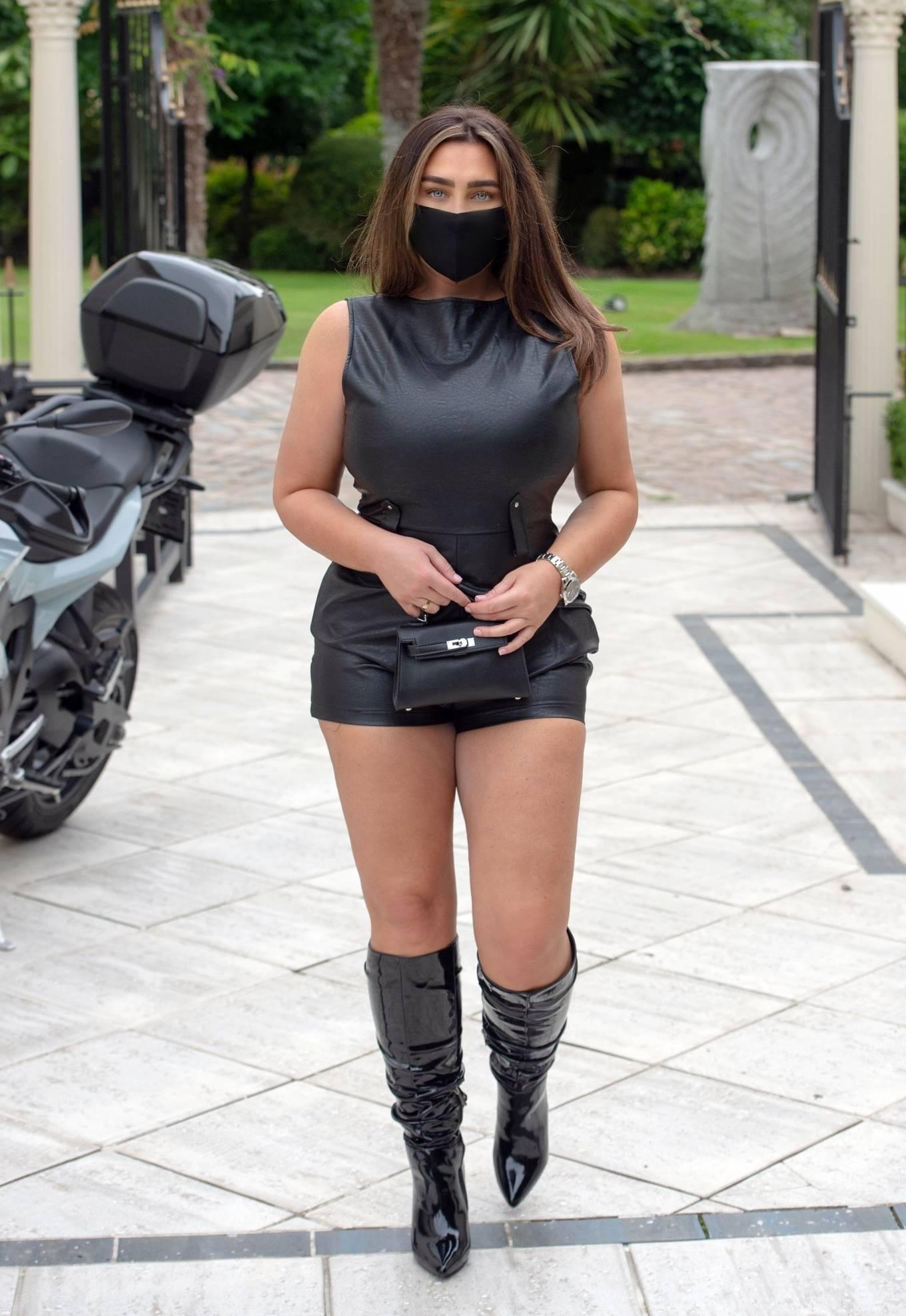 Lauren Goodger 2020 : Lauren Goodger – Heading for dinner in North London-11