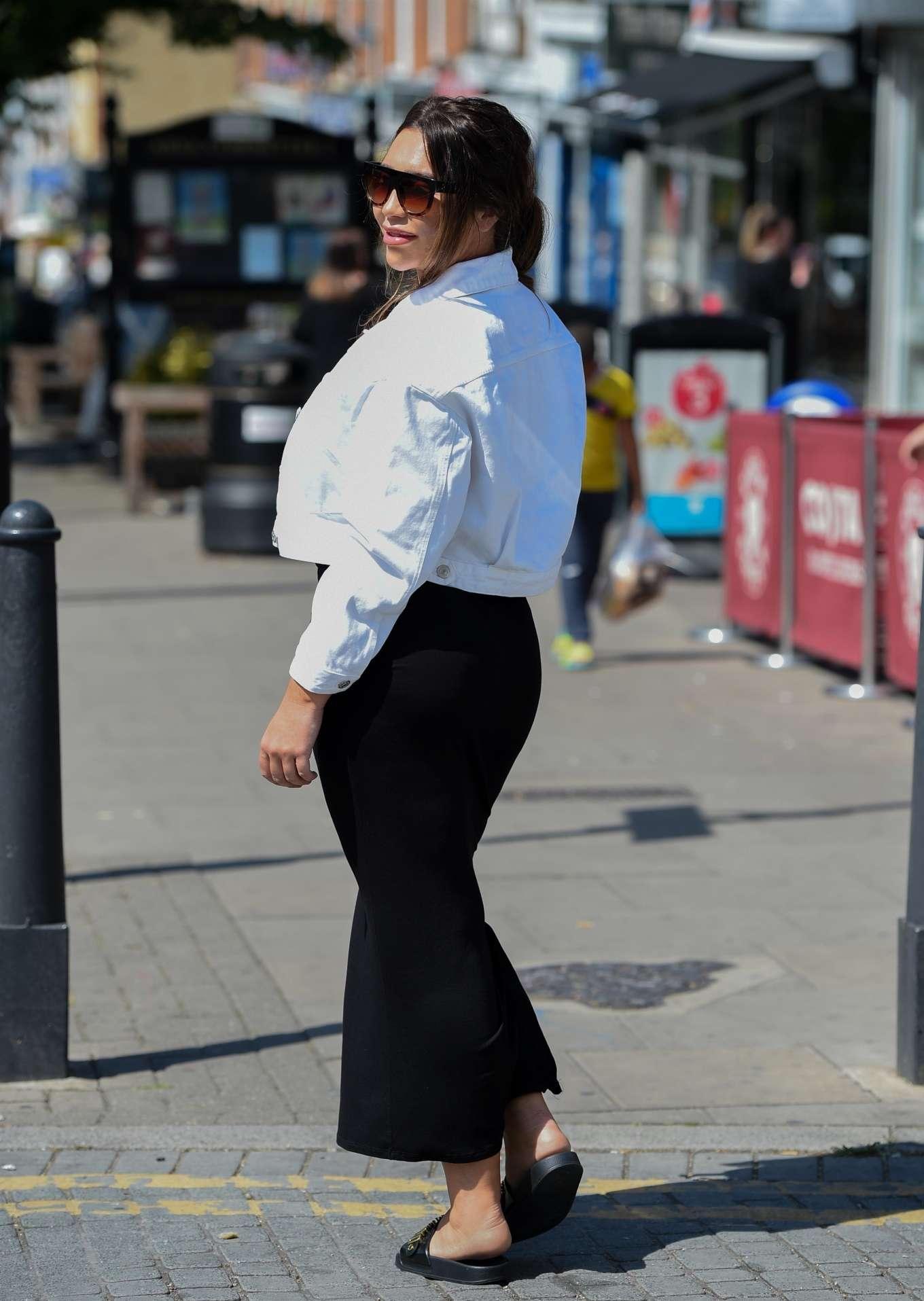 Lauren Goodger 2019 : Lauren Goodger: Shopping at Chigwell in Essex-11