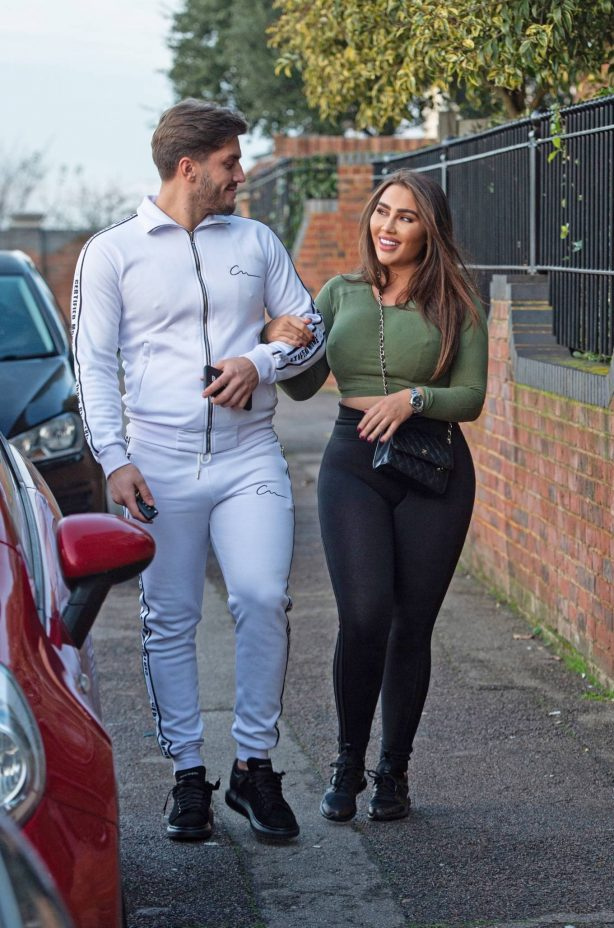 Lauren Goodger - Spotted while leaving house in Essex