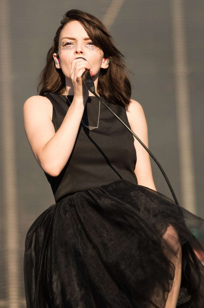 Lauren Mayberry - Peforms at Reading Festival 2016 in Reading
