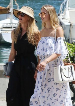 Lauren Powell Jobs with daughter Eve in Portofino