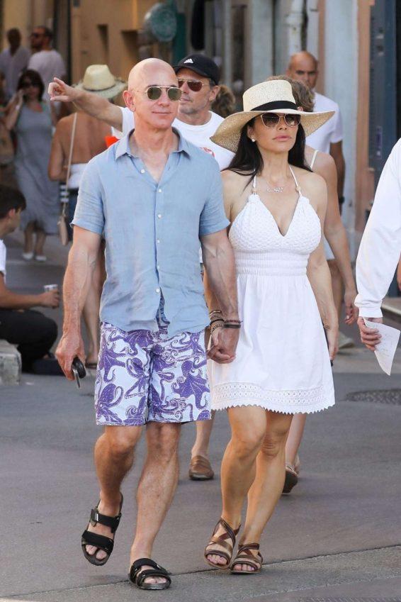 Lauren Sanchez and Jeff Bezos on vacationing in St Tropez