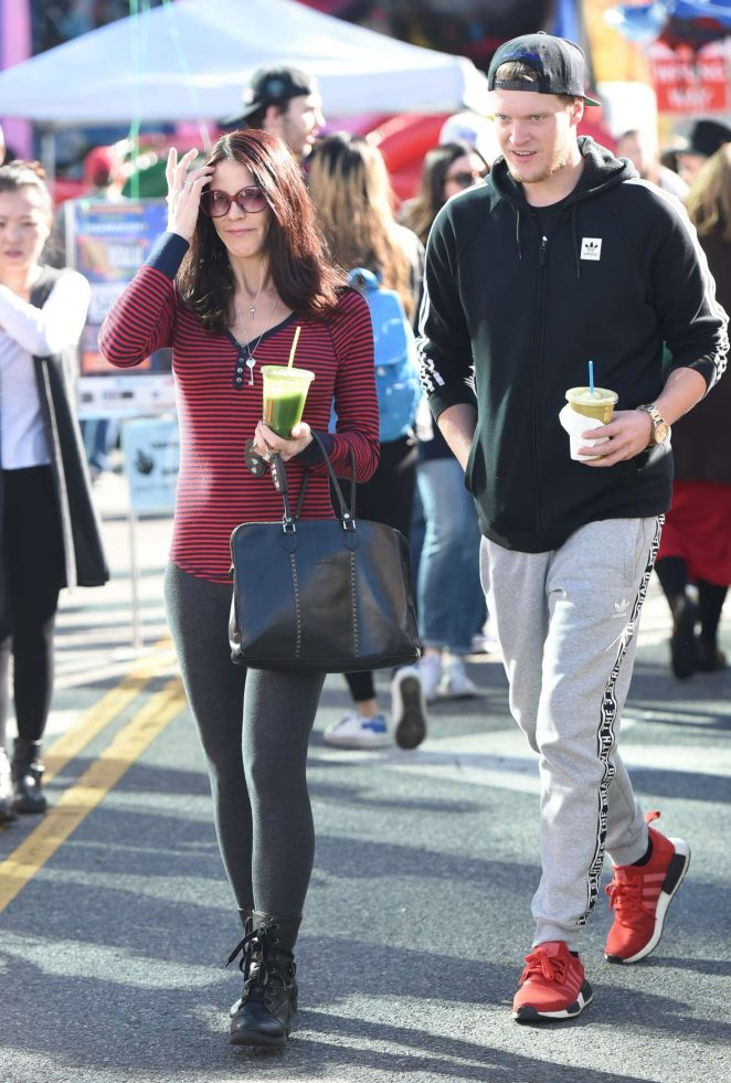 Lauren Sanchez at Farmers Market in Los Angeles