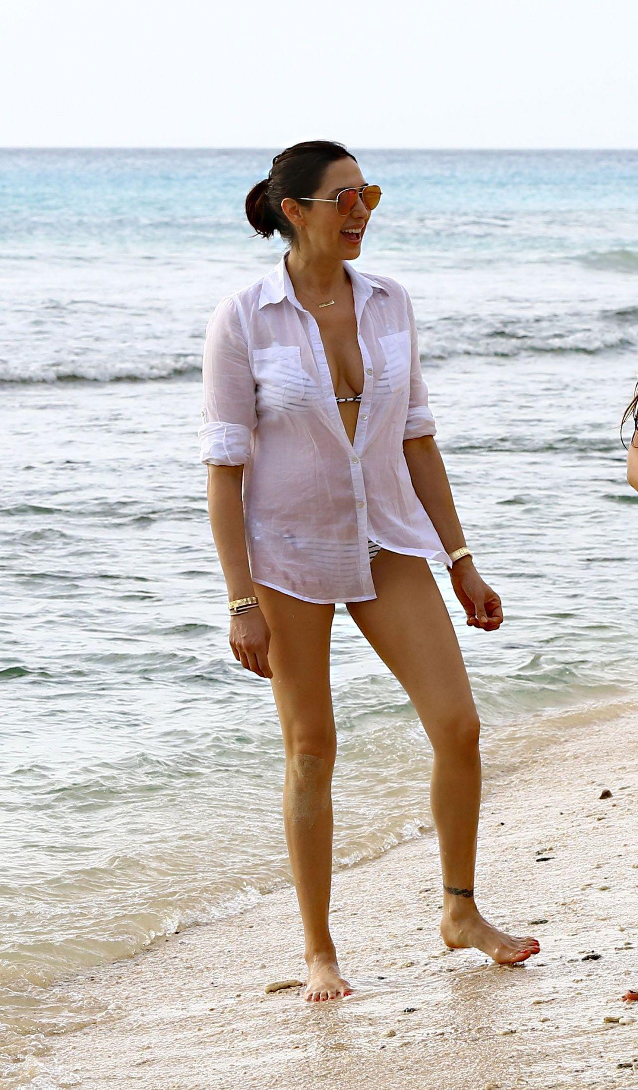 lauren silverman in bikini 03 � gotceleb