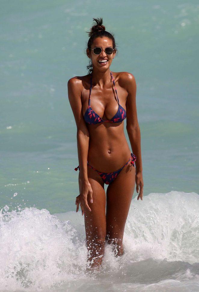 Lays Silva in Bikini at the beach in Miami