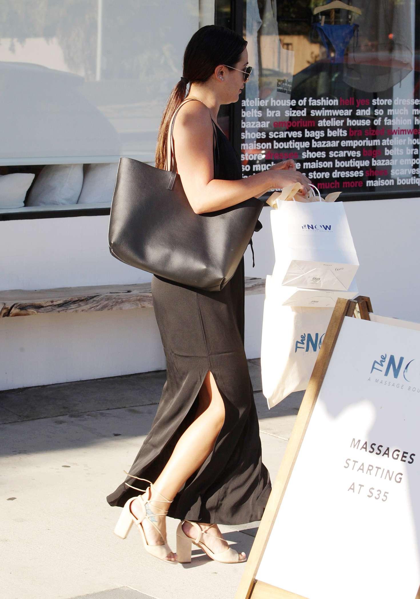 Lea michele at the now massage boutique 08 gotceleb for Lea boutique